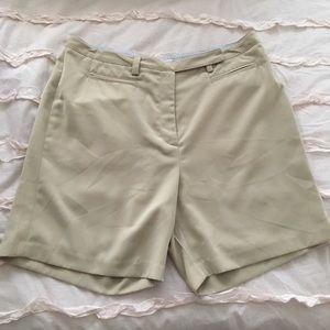 Tommy Hilfiger khaki golf shorts